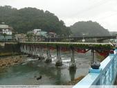 比民國年長了 2歲的坪林舊橋 - 先民智慧, 建構特殊的船型橋敦, 細斜橋柱:P1110050.JPG