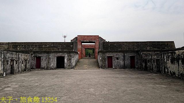 13254.jpg - 高雄旗津 星空隧道美麗幻化成為海底隧道 20210512