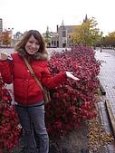 Lydia at Rochester on Autumn 2009:DSC04245.JPG