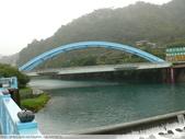 比民國年長了 2歲的坪林舊橋 - 先民智慧, 建構特殊的船型橋敦, 細斜橋柱:P1110062.JPG