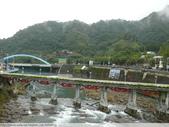 比民國年長了 2歲的坪林舊橋 - 先民智慧, 建構特殊的船型橋敦, 細斜橋柱:P1110136.JPG