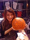 Hallowe'en (萬聖節前夕) Lydia and Jack-o-Lantern :DSC09790.JPG