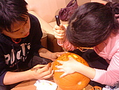 Hallowe'en (萬聖節前夕) Lydia and Jack-o-Lantern :DSC09795.JPG