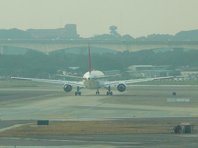 台北 (松山) 國際航空站觀景台 2012/01/14 :P1030547.jpg