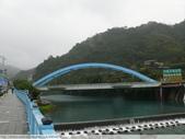 比民國年長了 2歲的坪林舊橋 - 先民智慧, 建構特殊的船型橋敦, 細斜橋柱:P1110054.JPG