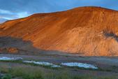 Grenevik(草屋)- Godafoss(上帝瀑布)-Mývatn (米湖) :稜線邊坡旁地面有許多冒著泡泡和高溫的蒸氣,嘶嘶作響呢!