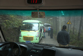 萬仙山(郭亮+南坪)(河南):狹窄山路上,電瓶車相會的小車禍。