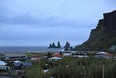 Gullfoss(黃金瀑布)+Skogafoss(史科卡瀑布)+Dyrholaey的海上洞門+黑沙灘:從Vik的民宿 Like Vik Guesthouse 陽台望出去
