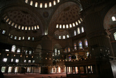 Istanbul ( Turkey )      藍色清真寺、蘇菲亞、耶尼清真寺...:內部大圓頂下的祈禱空間很大