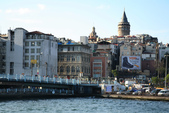 Istanbul ( Turkey )      藍色清真寺、蘇菲亞、耶尼清真寺...:新城區後面的是加拉達塔