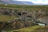 Grenevik(草屋)- Godafoss(上帝瀑布)-Mývatn (米湖) :再往瀑布另一邊前進