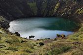 冰島南部: Keridd火山口湖+Strokkur間歇泉:Keridd火山口湖很友善,有條小路可以走到湖邊