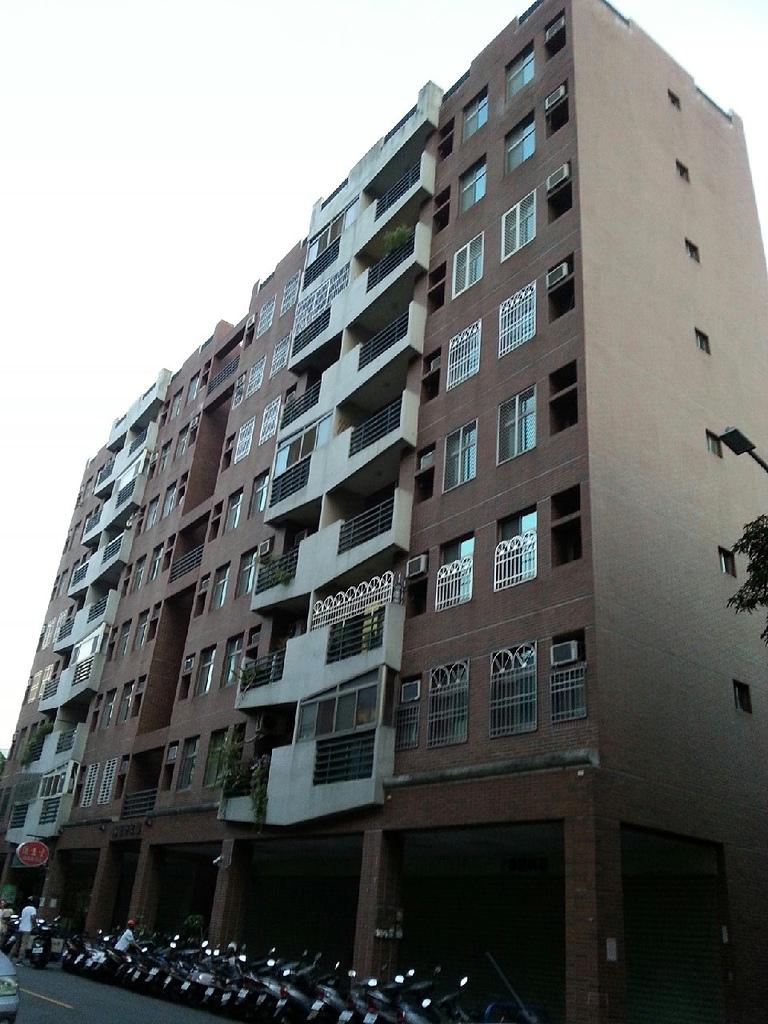 慈濟商圈便宜透天住家:民權路229巷9號5樓之1.jpg