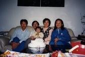 77年~105年家人活動團照:890104外子41歲生日.jpg