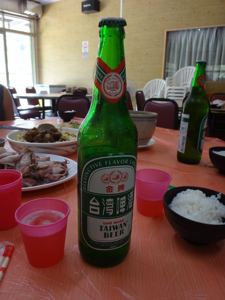 雙溪八景之蘭溪消夏與老農夫生態休閒農莊:DSC04893午餐喝三瓶啤酒.JPG