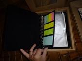 小女兒20歲成人禮物《木雕筆記本--木頭方程式》:DSC00522一體成形筆記本內容物.JPG
