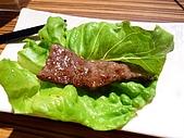 090718皮蛋麻生日原燒慶生:七八分熟加海鹽然後用生菜葉包著吃 正點!!