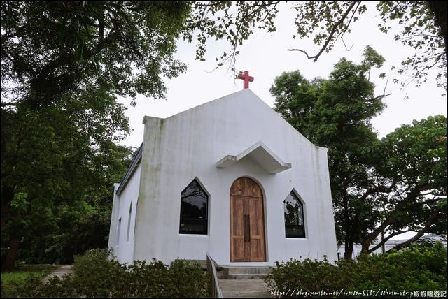 『 基隆。三軍總醫院基隆分院教堂 』迷你小踏點。原來基隆也有白色教堂喔: