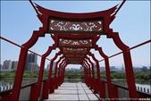 『 新莊。文昌祠 』小景點必拍。廟旁有人稱台版鳥居的文昌陸橋: