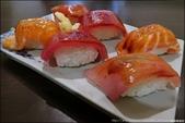 『 竹圍。蔡生魚片壽司 』食記。巷弄中發現生魚片美食: