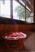 『 獅子。全家便利商店(獅子金流店) 』南迴的補給站。日式風的木造建築商店: