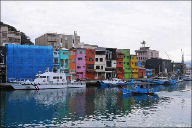 『 基隆。正濱漁港 』懷舊漁港大粉刷。彩虹小屋成為IG打卡新踏點: