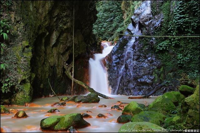 『 陽明山。翠峰瀑布 』金黃色溪谷。天母古道的一處秘境景點: