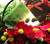 美呆了!!:禮物花籃設計~抹茶餅+巧克力禮盒.jpg