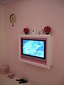 2880/4/11探訪雨濛&必勝客和風拂風味賞:粉紅色的液晶電視耶!
