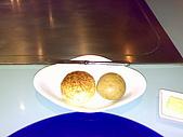 20090119夏慕尼:夏慕尼起司麵包很好吃,我們連叫了兩盤