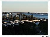 Perth Days:黃昏的跨河公路